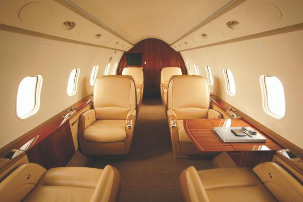 Challenger 300 Cabin